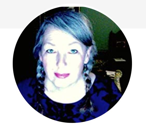 Alison Cross | Tarotist | Court Card Adventurer